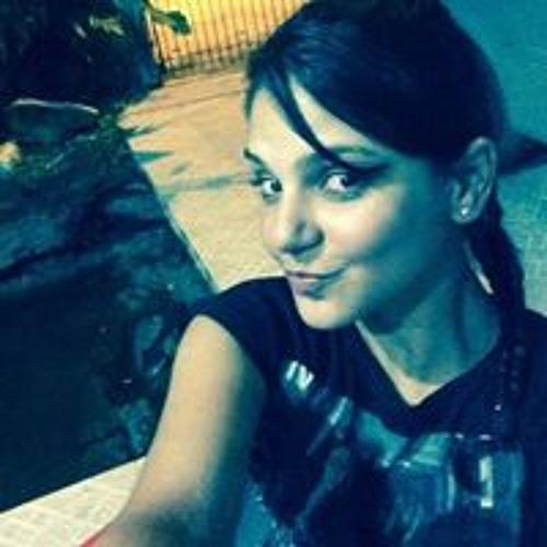 Suzy Souza's avatar