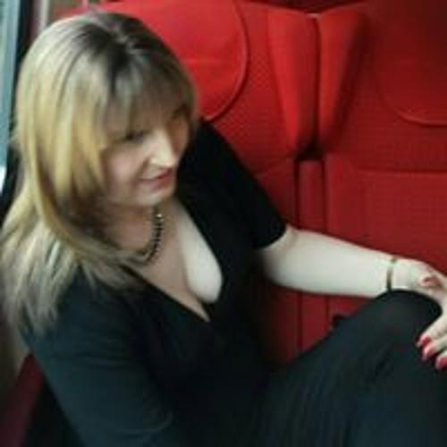 Stephie Chambers's avatar