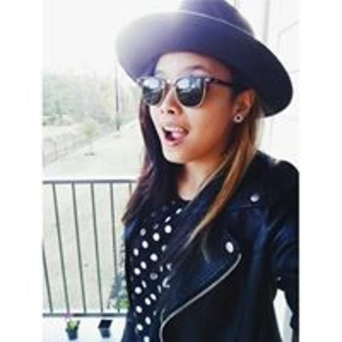 Shairah Fernandez's avatar