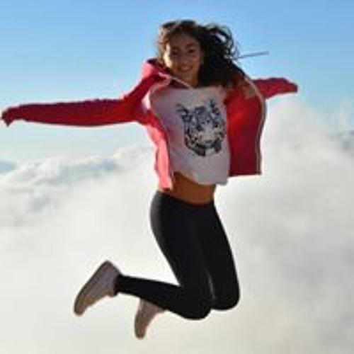 Angela Wardan's avatar