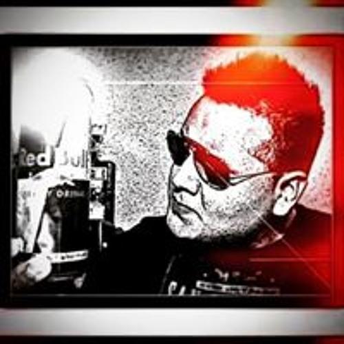 Joshua Tablero's avatar