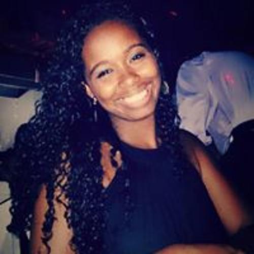 Camila Moraes's avatar