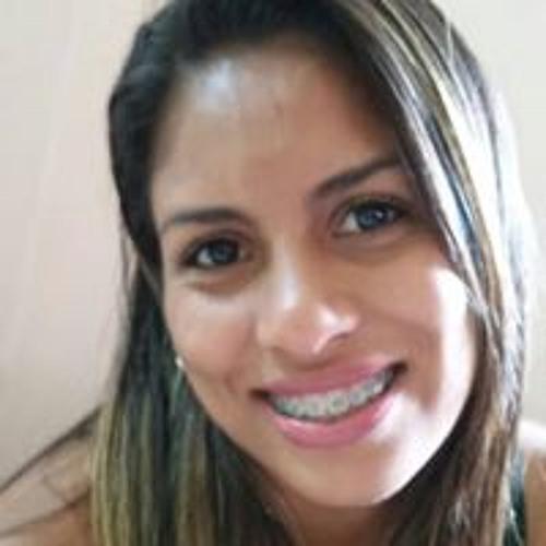 Claudia Ramos's avatar