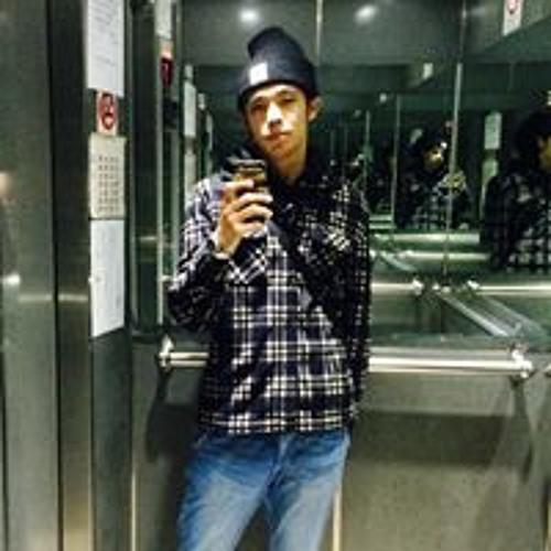 Chris Chen's avatar