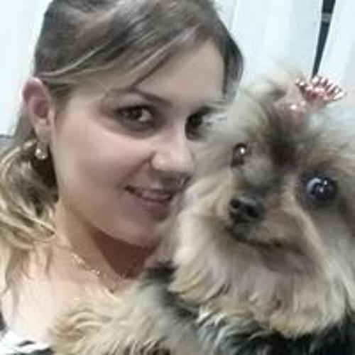 Vanessa Verissimo's avatar
