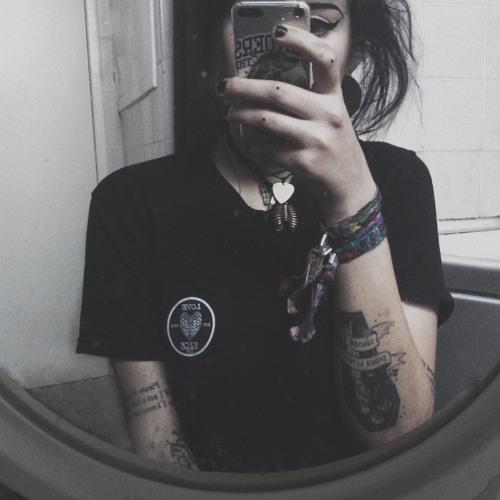 taintedbeauty's avatar