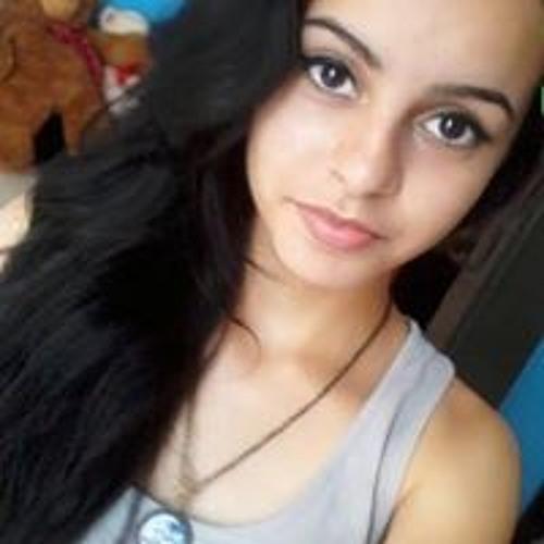 Amanda Carvalho's avatar