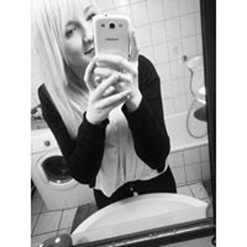 Celina Hartmann's avatar
