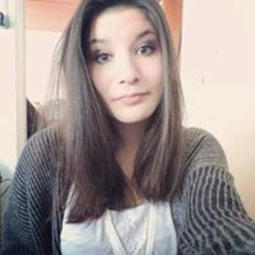 Julia Letki's avatar