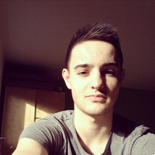 Yannick Zmmn's avatar
