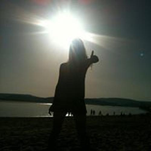 Dani Perrins's avatar