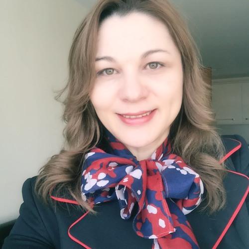 Ruth Nunes's avatar