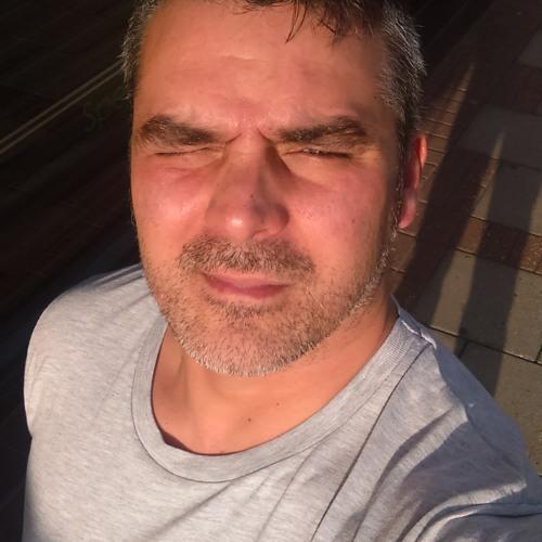 robbiedani's avatar