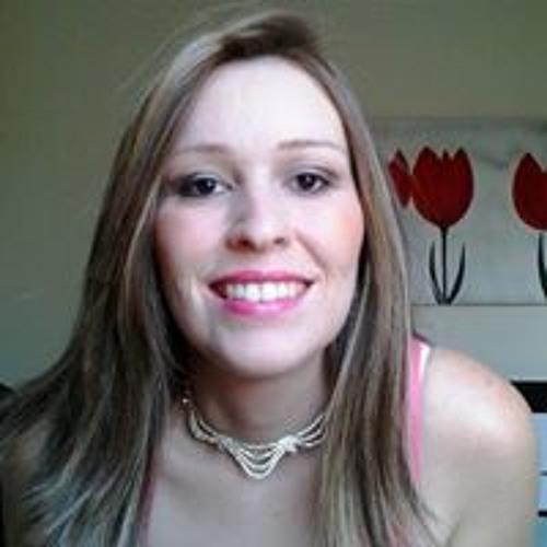 Alessandra Gonçalves's avatar