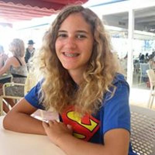 Celine Kuhn's avatar