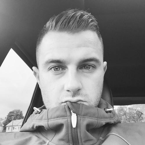 LEE_FAM's avatar