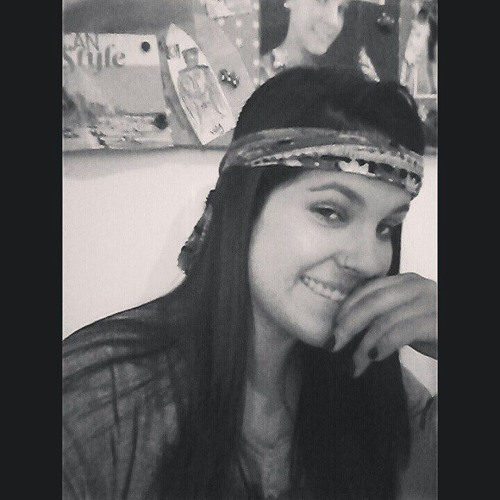 Julia Percio's avatar