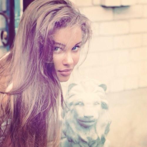 elizabethlovesyou's avatar