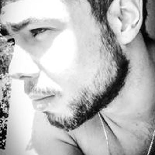Yan de Oliveira's avatar