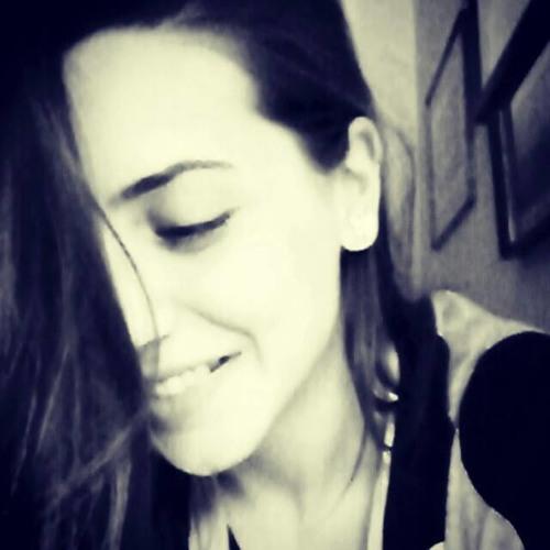 Mariana Pt's avatar