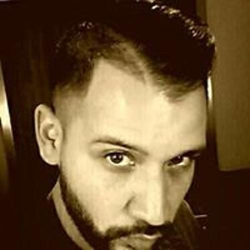 Santiago Tavares's avatar