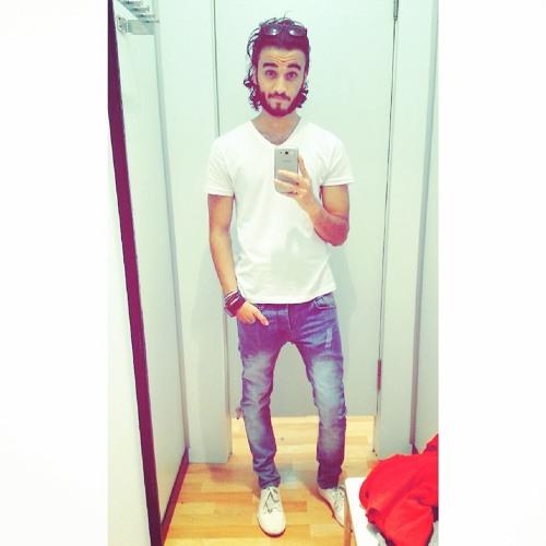 Moustafa Van's avatar