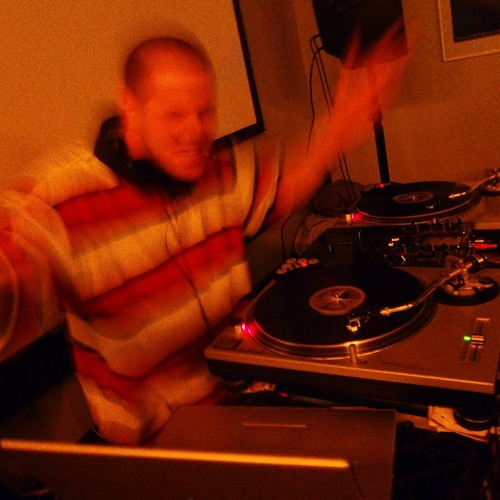 DJ KORNOUT's avatar