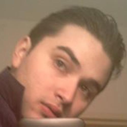 Simon Gradecak's avatar