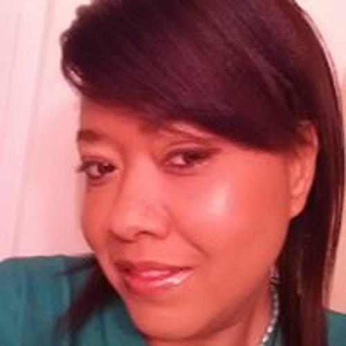 Angela Fogle's avatar
