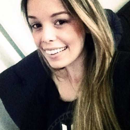 Ana Luisa Pazzini's avatar