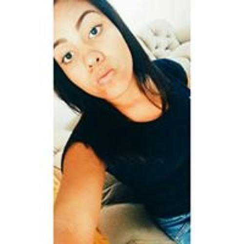 Taina Souza's avatar