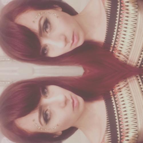 JuliAyla's avatar