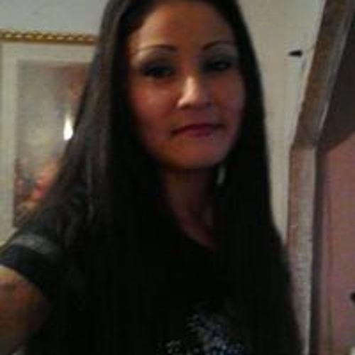 Laura Mata's avatar
