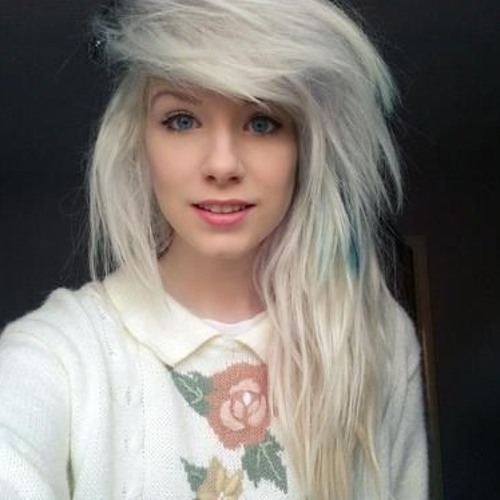 Cassey Charlton's avatar