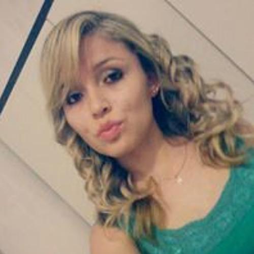 Kemelly Pinheiro's avatar