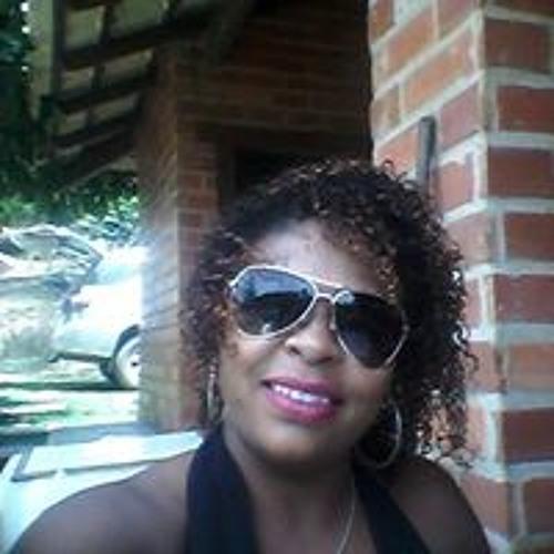 Christiane Batista's avatar
