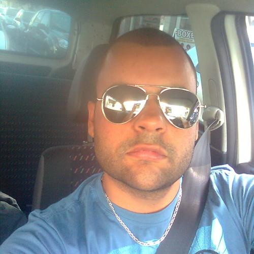 Junior Araújo 35's avatar