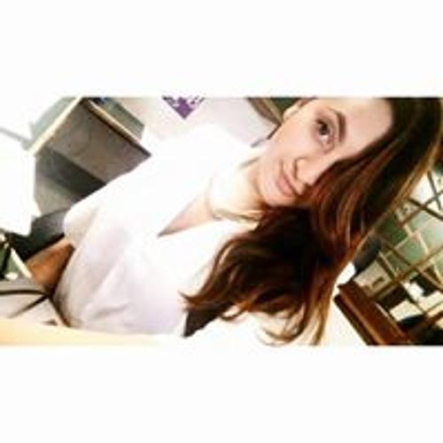 Adrianna Valenzuela's avatar