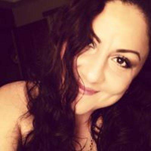 Maryfer Acuna's avatar