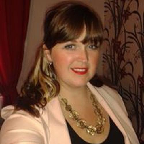 Lianne Lewis's avatar