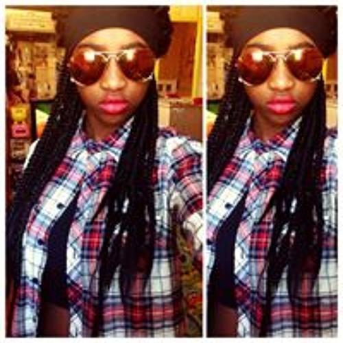 Victoria Monique's avatar