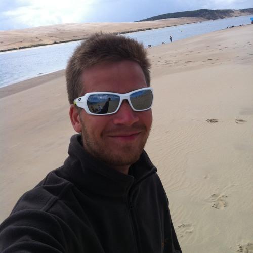 Manu Dcs's avatar