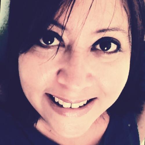 Daniella Barros's avatar
