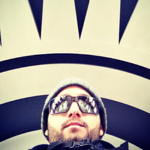Yulo Oiticica Jr.'s avatar