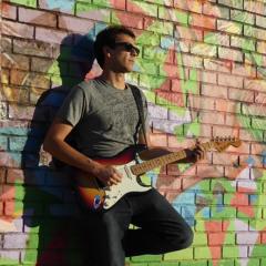 Luis Castro Music