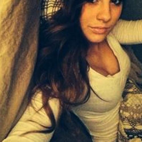 Annabella Fernandez's avatar
