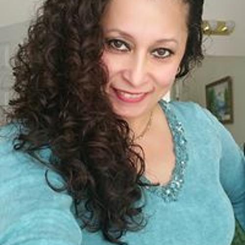 Maritza Flores's avatar