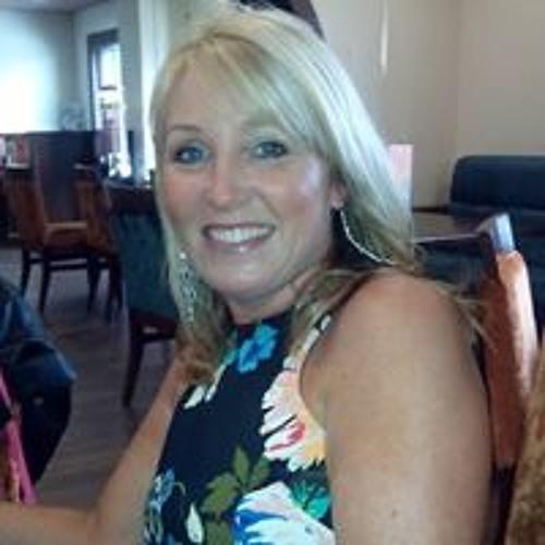 Lisa Baston's avatar