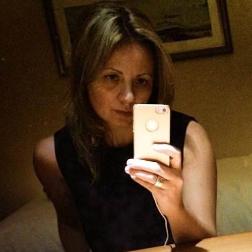 Juliana A B Arosi's avatar