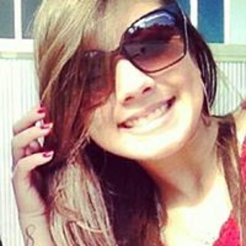 Larissa Lessa's avatar